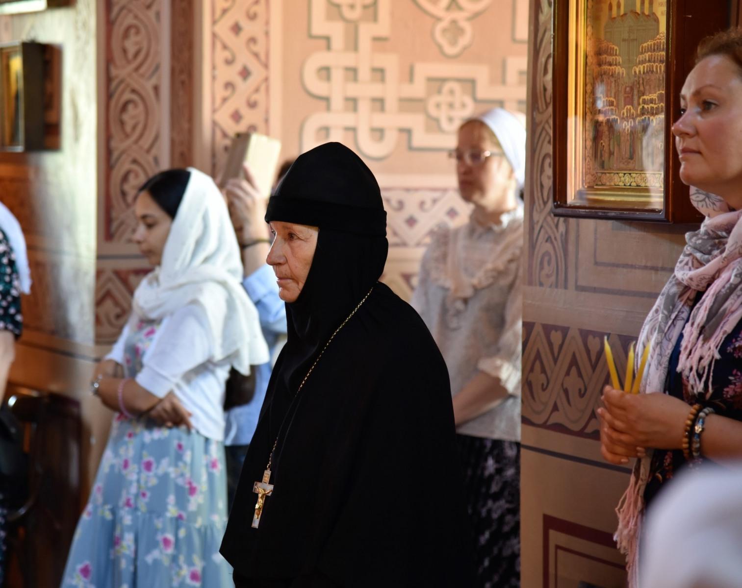 Монастырь равноапостольной Марии Магдалины. Божественная Литургия.
