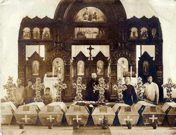 Гробы Алапаевских мучеников в Пекине. 16 апреля 1920 г.