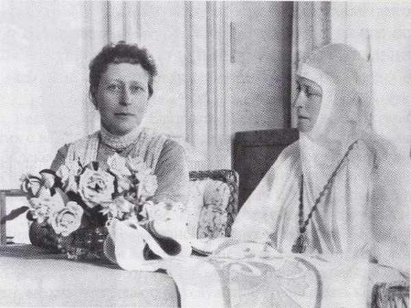 Принцесса Виктория Баттенбергская в гостях у великой княгини Елизаветы Федоровны в Марфо-Мариинской обители