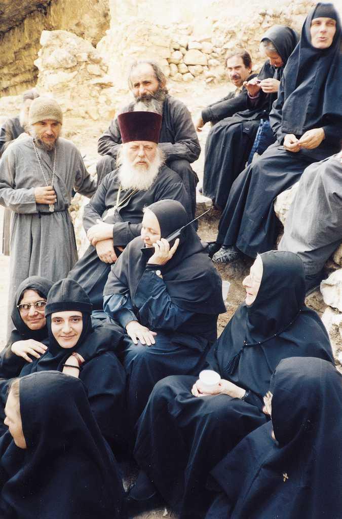 Игумения Моисея (Бубнова) с сестрами монастыря